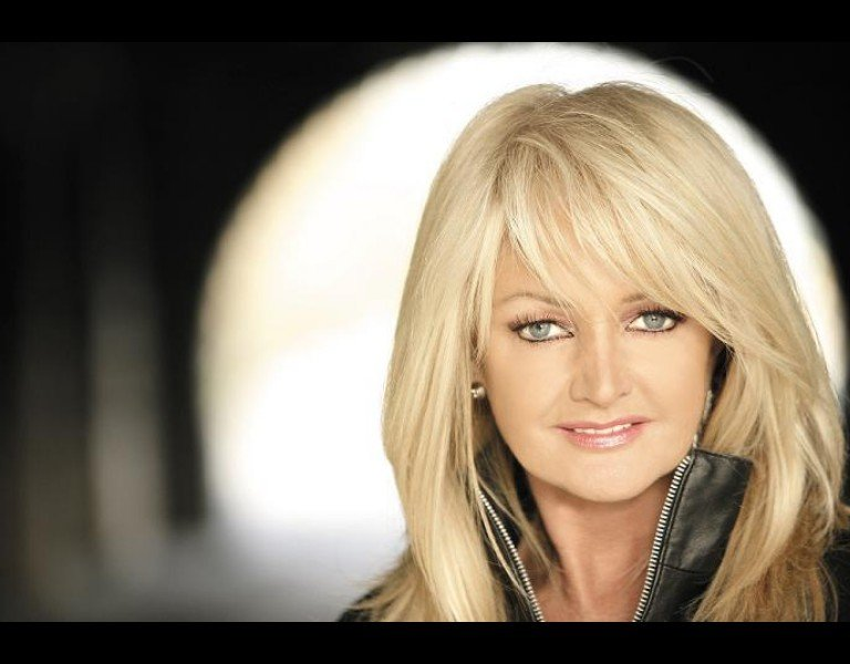 "Bonnie Tyler, 50 años en el escenario Presenta ""Between the earth and the stars"""