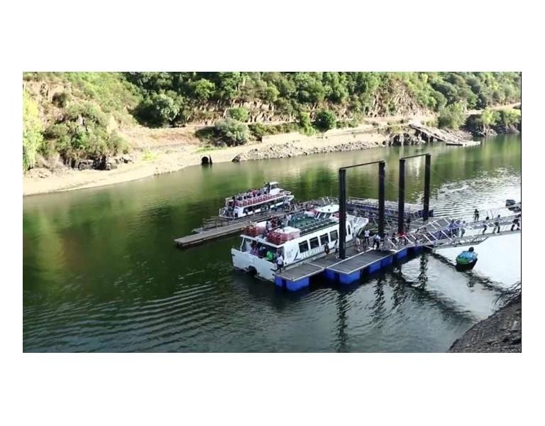 Catamarán Doade