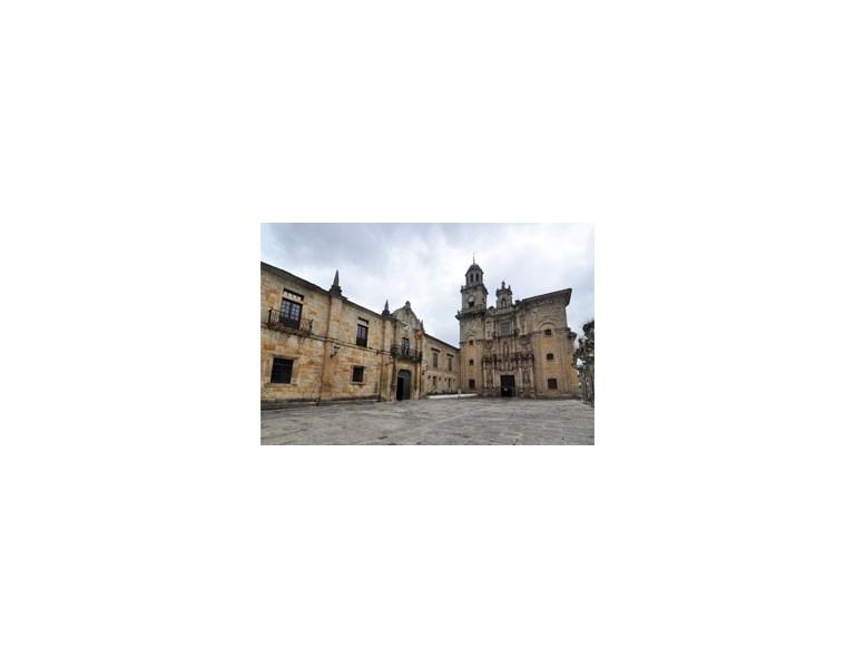 Claustro maior do Mosteiro de San Salvador de Lourenzá